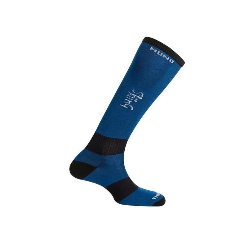 Socks Mund Skiing